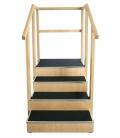 Drewniane schody do nauki chodzenia